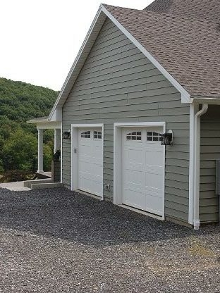 Garage on custom home built by Mt. Tabor Builders of Clear Spring, MD.