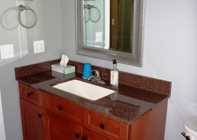Craftsman-style home in Boonsboro bathroom