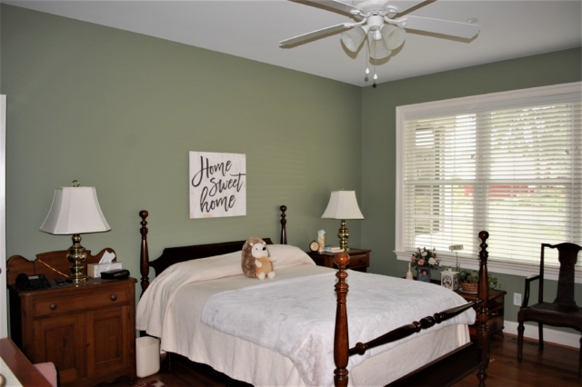 Williamsport, MD Cape Cod master bedroom suite in custom home built by Mt. Tabor Builders of Clear Spring, MD