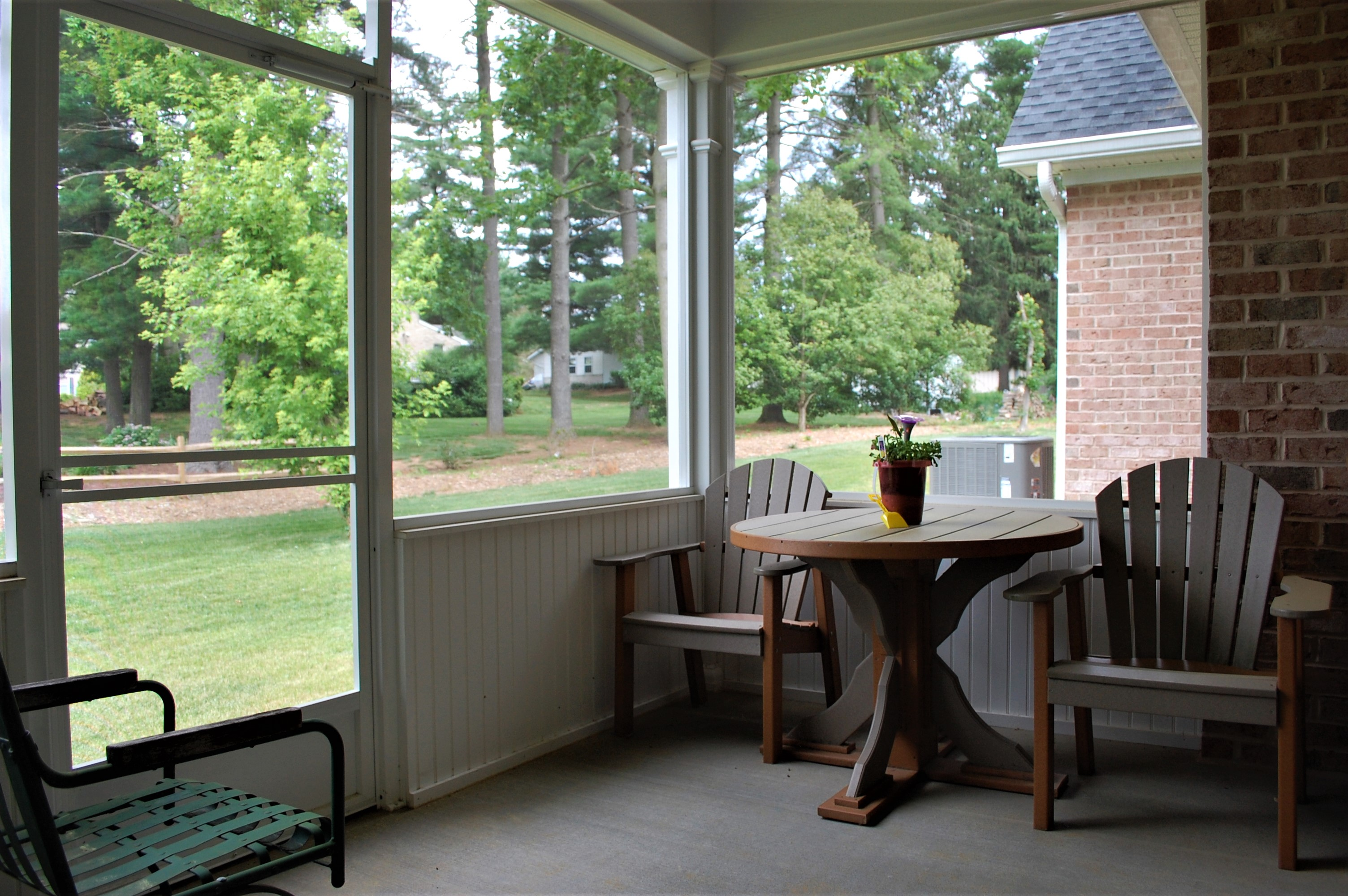 Williamsport, MD Cape Cod screened-in porch in custom home built by Mt. Tabor Builders of Clear Spring, MD