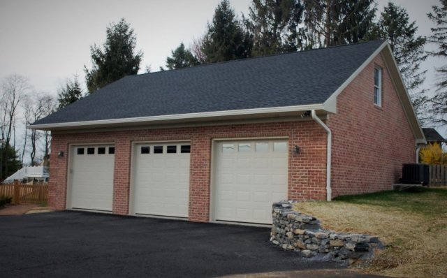 Custom garage in Hagerstown, MD built by Mt. Tabor Builders